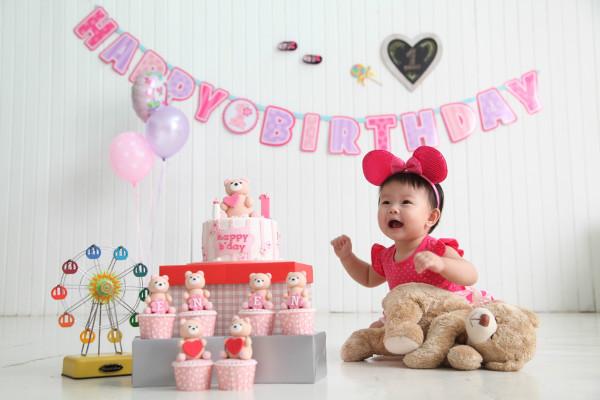 cake smash 1st year birthday